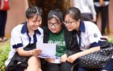 """Vụ thí sinh ở Sơn La """"chơi"""" điện thoại trong phòng chờ thi: Công an vào cuộc điều tra"""