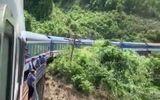 Tàu SE3 trật bánh trên đèo Hải Vân, đường sắt Bắc - Nam tê liệt nhiều giờ