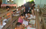 Cô giáo 9X mở lớp dạy tiếng Anh miễn phí cho học sinh bản Cằng