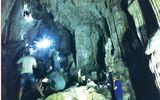 4 người dân bất ngờ phát hiện hang động nhũ thạch tuyệt đẹp trong lúc đi rừng