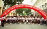 Hơn 1.700 người chạy gây quỹ học bổng cho trẻ em nghèo tại TP.Hồ Chí Minh