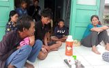 Sóng đánh chìm tàu cá tại Ninh Thuận, 5 ngư dân mất tích