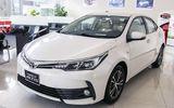 """Toyota Corolla Altis tiếp tục giảm giá """"kịch sàn"""" tại Việt Nam"""