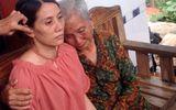 Nước mắt người mẹ già 83 tuổi gặp lại con gái sau 22 năm lưu lạc xứ người
