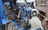 Hà Nội: Ô tô tải đâm vào đuôi container đang đậu trên cầu, 2 người thương vong