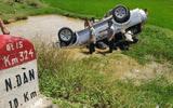 Tin tức tai nạn giao thông mới nhất hôm nay 13/7/2019: Lật ô tô 7 chỗ, 6 người thương vong
