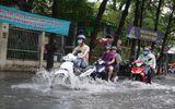 """""""Khu nhà giàu"""" Thảo Điền ngập mênh mông sau trận mưa lớn cuối tuần"""