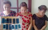 """Bắt giữ nhóm """"nữ quái"""" lớn tuổi, trộm 12 chiếc điện thoại, gần 100 triệu chỉ trong 1 ngày"""