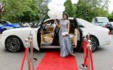 Ôtô - Xe máy - Nữ sinh 16 tuổi thuê Rolls-Royce Ghost đính 4 triệu viên pha lê đến lễ tốt nghiệp