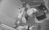"""Video: Tên trộm phá két sắt nhà ca sĩ Nhật Kim Anh, """"cuỗm"""" đi 5 tỷ đồng"""