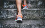 """Sức khoẻ - Làm đẹp - Bác sĩ cảnh báo: Leo cầu thang là """"môn thể thao ngớ ngẩn"""" nhất cho đầu gối"""