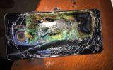 Vừa dùng điện thoại vừa sạc pin, thiết bị bất ngờ phát nổ khiến cô gái tử vong