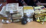 Nghệ An: Bị vây bắt, hai đối tượng vận chuyển 60.000 viên ma túy rút lựu đạn chống trả