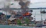 Thanh Hóa: Cháy tàu cá tiền tỷ của ngư dân, nghi do hàn xì gây bén lửa