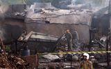 Máy bay quân sự Pakistan rơi xuống khu vực dân cư, ít nhất 19 người thiệt mang