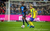 Thảm bại trước Club Brugge, HLV Sint-Truidense nói gì về Công Phượng và đồng đội?
