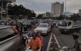 Tin tức tai nạn giao thông mới nhất hôm nay 6/8/2019: Phong tỏa cầu Hàng Xanh vì tai nạn liên hoàn