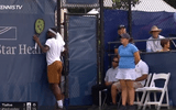 Video: Chưa hết trận đã vội ăn mừng, tay vợt nhận kết cục bẽ bàng