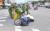 Đà Nẵng: Con trai gào khóc bên thi thể cha bị xe ben cán