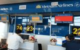 Nữ nhân viên Vietnam Airlines trả lại hơn 300 triệu đồng khách bỏ quên tại phòng vé