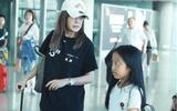 Triệu Vy lộ vẻ mệt mỏi, xuất hiện cùng con gái tại sân bay