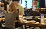 """Ahn Jae Hyun lộ hình ảnh đi ăn cùng gái lạ dù vướng nghi vấn """"cắm sừng"""" Goo Hye Sun"""