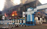 Tin thế giới - Indonesia: Bạo loạn bùng phát, hơn 250 tù nhân phá tường vượt ngục