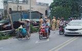 Tiền Giang: Va chạm với xe bồn, gia đình 3 người tử vong