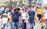 Nhiều điểm vui chơi tại TP.HCM quá tải dịp nghỉ lễ 2/9, chợ Trung thu phố cổ Hà Nội đông nghịt người