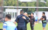 HLV Park Hang-seo phấn khởi gặp lại đồng đội cũ trên đất Thái
