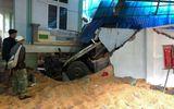 Sơn La: Ô tô đầu kéo tông sập nhà dân, đôi vợ chồng tử vong trong phòng ngủ