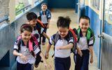 5 đứa trẻ ca sinh 5 đầu tiên của Việt Nam rộn ràng vào lớp 1