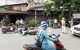 """TP HCM: """"Xe điên"""" hất văng một loạt xe máy, khiến 2 người bị thương"""