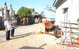 Việc tốt quanh ta - Cán bộ thôn tại Hà Tĩnh tự nguyện cắt nhà ở để hiến đất làm đường