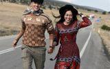 Tin tức giải trí - Á hậu Phương Nga mặc váy gợi cảm nhưng phản ứng của Bình An mới khiến nhiều người bất ngờ