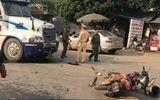 Sơn La: Xe máy đấu đầu xe container, 2 người thương vong