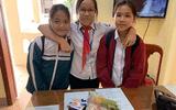 Tin trong nước - Nụ cười tỏa nắng của 3 nữ sinh Quảng Trị trả lại gần 10 triệu đồng nhặt được