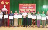 Đà Nẵng: Tặng phương tiện sinh kế cho 40 hộ nghèo
