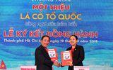 Nam Á Bank trao cờ tổ quốc chung tay bảo vệ biển đảo Việt Nam