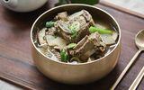 Học người Hàn nấu món canh sườn cực ngon, ăn là thích ngay