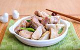 Thịt sườn đem kho với thứ này đảm bảo cả nhà thích mê