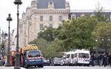 Tấn công bằng dao ngay tại trụ sở cảnh sát ở Paris, 4 sĩ quan thiệt mạng