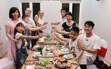 Xuân Trường quây quần bên gia đình trước khi sang Hàn Quốc phẫu thuật