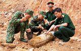 Tá hoả khi phát hiện quả bom còn nguyên ngòi nổ ngay trung tâm TP Hạ Long