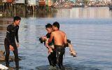 Thái Bình: Rủ nhau ra cầu chơi sau buổi lao động, 2 nữ sinh lớp 7 đuối nước tử vong thương tâm