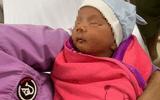 Quảng Nam: Xót xa bé trai 10 ngày tuổi bị bỏ rơi bên vệ đường