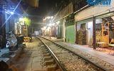 Phố đường tàu sau ngày bị đóng cửa: Hàng quán vắng tanh, du khách tiếc nuối