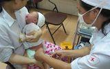 Sức khoẻ - Làm đẹp - Hai bé gái song sinh tử vong bất thường sau tiêm vắc xin tại bệnh viện