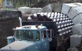 Ôtô - Xe máy - Mục sở thị cảnh xe tải xây 400m đường hầm chỉ trong một ngày