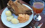 """Ăn - Chơi - Món ăn làm từ đầu cừu của người Na Uy khiến nhiều thực khách """"khóc thét"""" vì vẻ ngoài kỳ dị"""